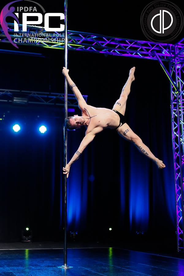 Pole fitness hombres