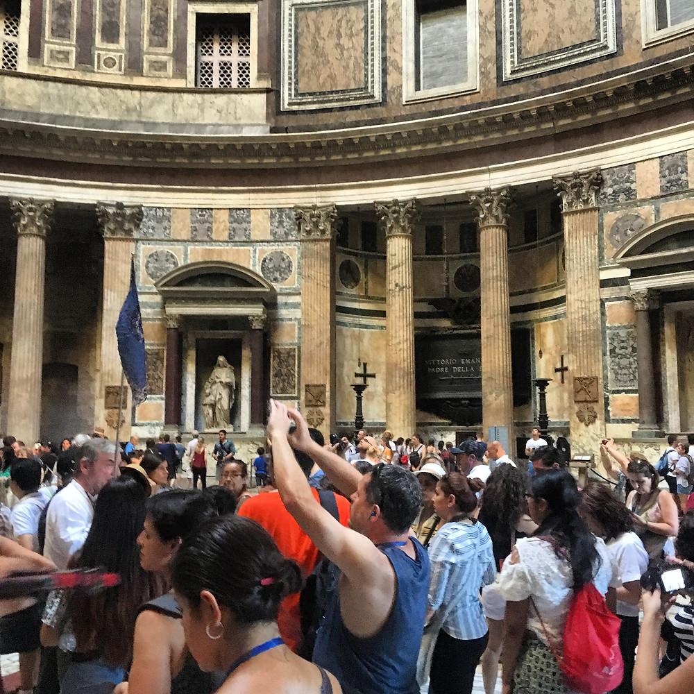 Naos,vestybul,porticus,pantheon