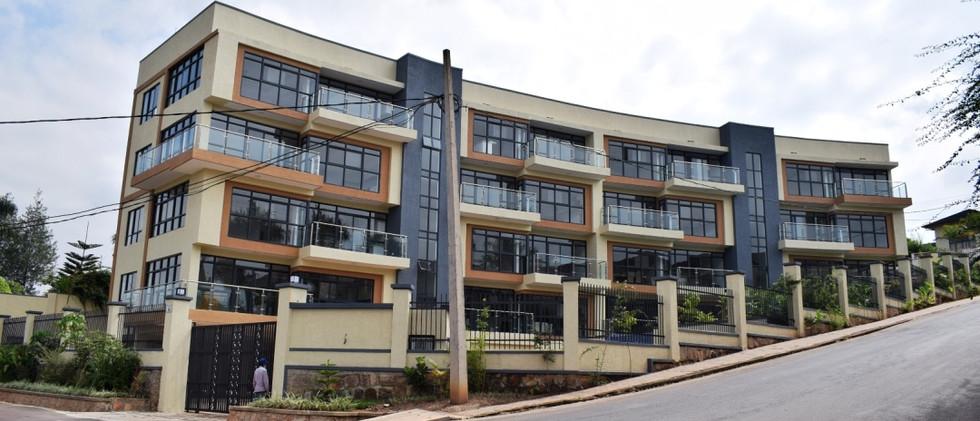 mayfair golf view apartments (38).JPG
