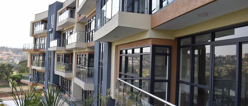 mayfair golf view apartments (31).JPG