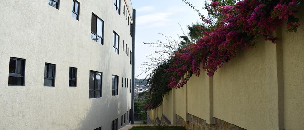 mayfair golf view apartments (34).JPG