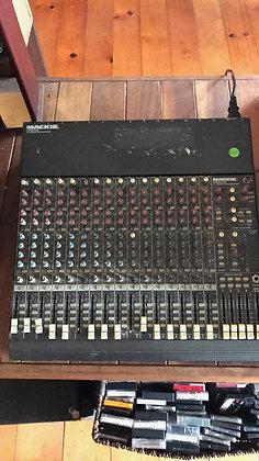 16 Track Mackie Desk