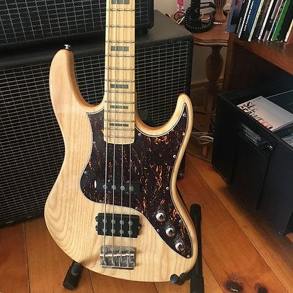 Ashton AB100 Bass