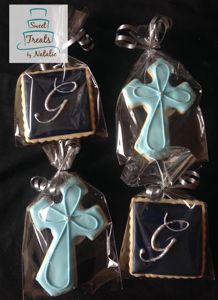 Cross & monogram cookies
