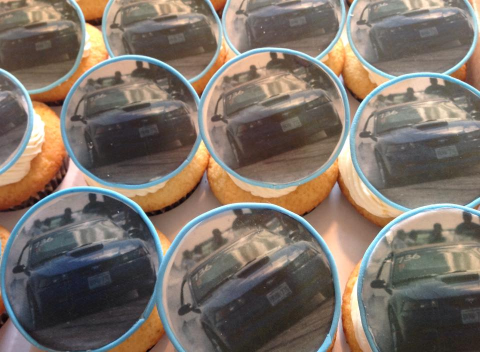 Edible photo toppers