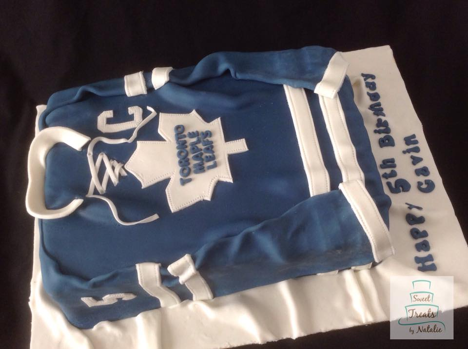 Toronto Maple Leafs jersey cake