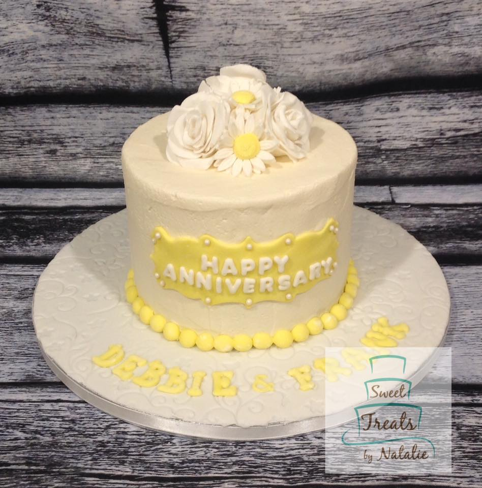 Daisy buttercream covered anniversary ca