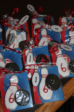 Bowling cookie loot bags