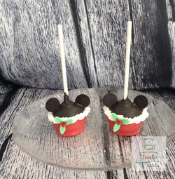 Christmas Mickey Mouse cakepops
