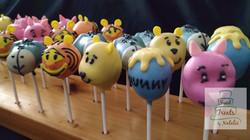 Winnie the Pooh Cakepops