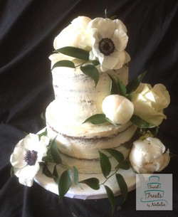 Confirmation naked cake with flowers