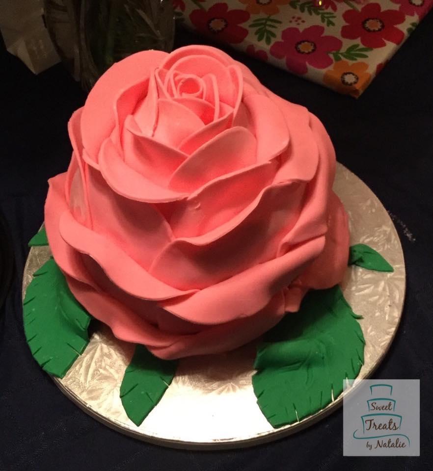 Giant rose cake