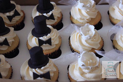 Bridal veil and top hat topper cupca