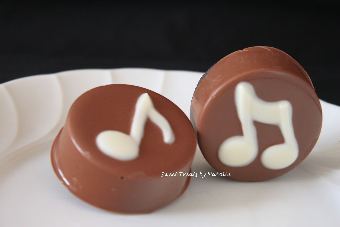 Music themed chocolate covered Oreos