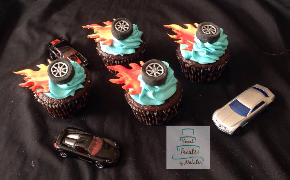 Hot Wheels themed cupcakes