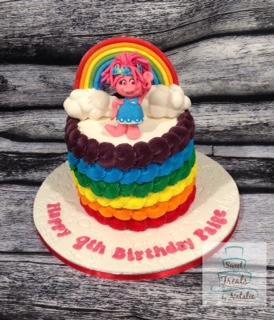 Queen Poppy Trolls cake