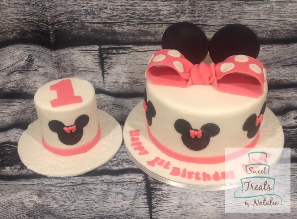 Minnie Mouse themed cake & smash cake