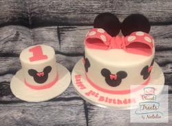 Minnie Mouse themed cake & smash cake