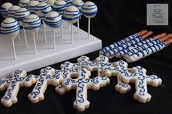 Blue crosses, pretzels & cakepops
