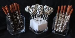 Filigree cake pops & pretzel rods