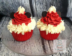 Christmas Mickey Mouse cupcakes