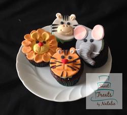 Wild animal cupcakes