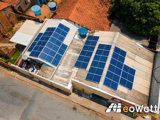 Sistema fotovoltaico de 12,73 kWp