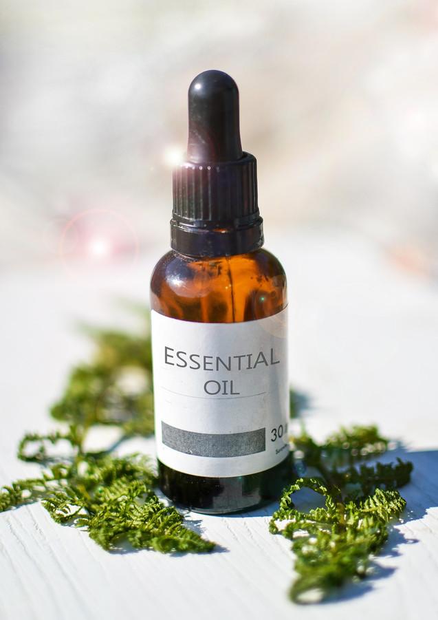 essential-oils-2385087_1920.jpg