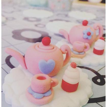 Miniature tea set..jpg