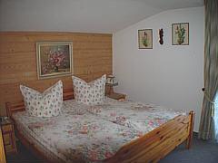 Schlafzimmerbild-001.jpg