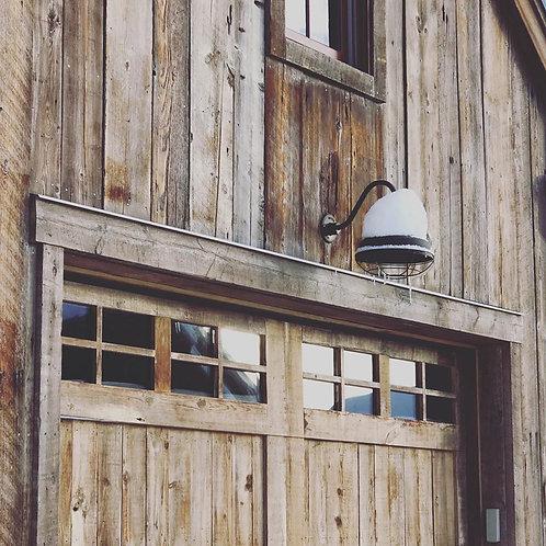 Hi Lite Barn Light