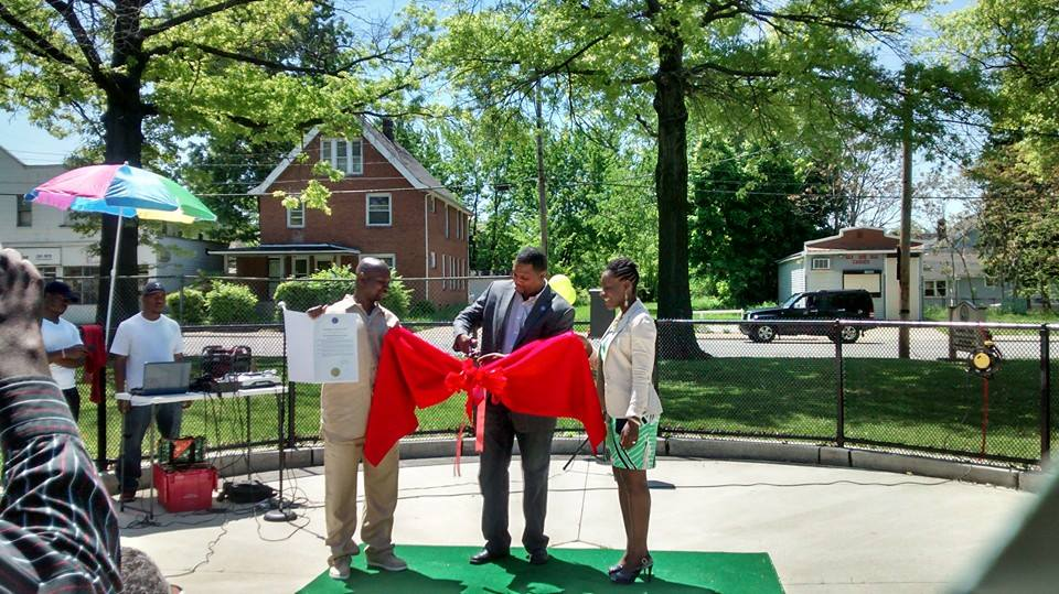 Ribbon Cutting with Councilman Jones
