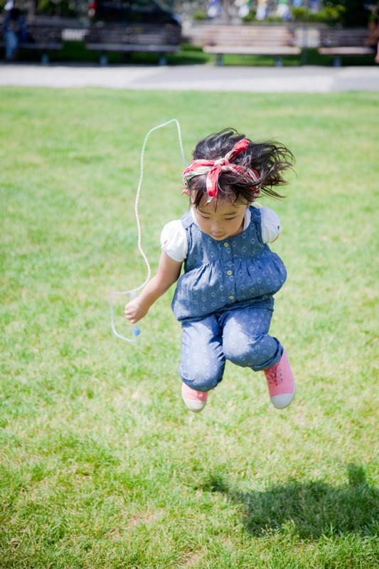 子どもが真剣になっている一瞬の瞬間、そこにその子らしい表情があります。