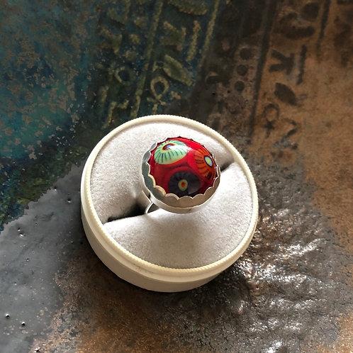 Red Cab - Ring med stor rød håndlaget glass cabochon