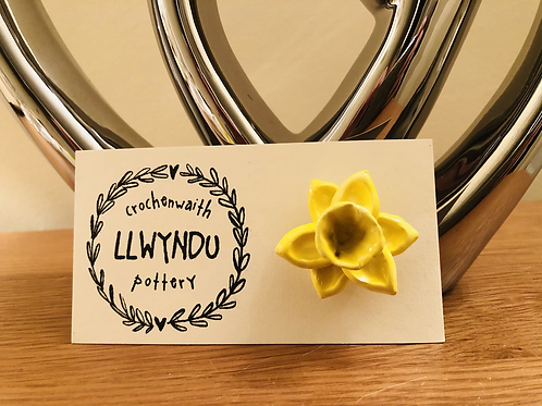Ceramic Daffodil Brooch