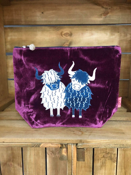 Highland cow cosmetic purse