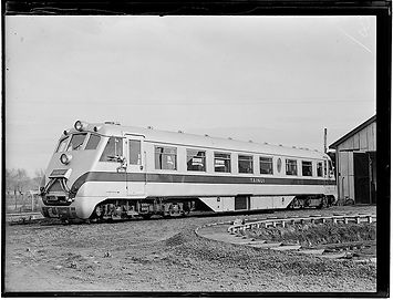 "RM 34 ""TAINUI"" in Silver and Green livery   New Zealand Herald, July 1939"
