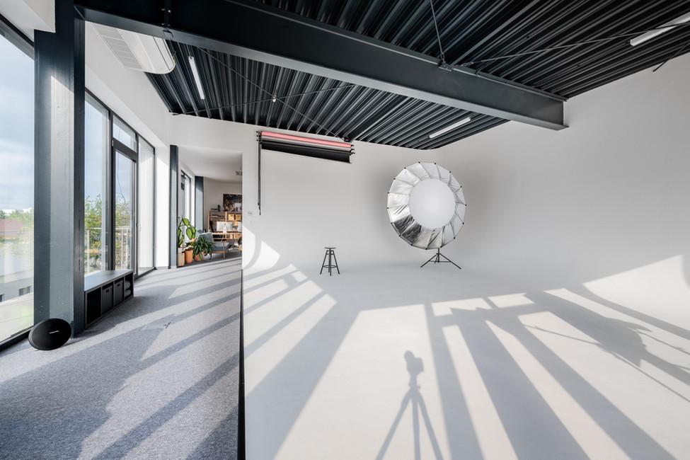 D Y N A M E E T rental studio-003.jpg