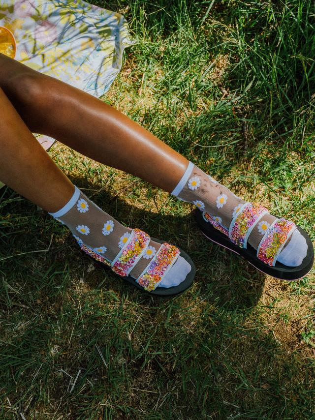 Flesh-official-woolit-summer-sandals-emb