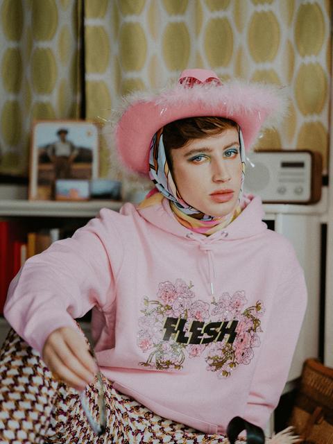 Flesh-apperal-kitsch-pink-hoodie-print-e