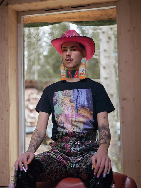 Flesh-mucha-alphonse-tshirt-clothing-kit