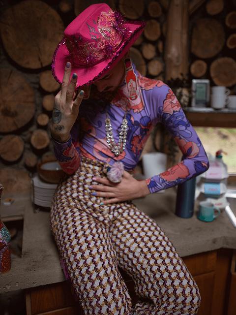 Flesh-cowboy-hat-accessories-rhinestones
