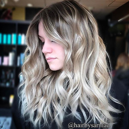 This blonde balayage is on point 💋_._._._._._._.jpg