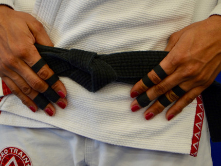 New to BJJ? Learn how to tie your Jiu-Jitsu belt