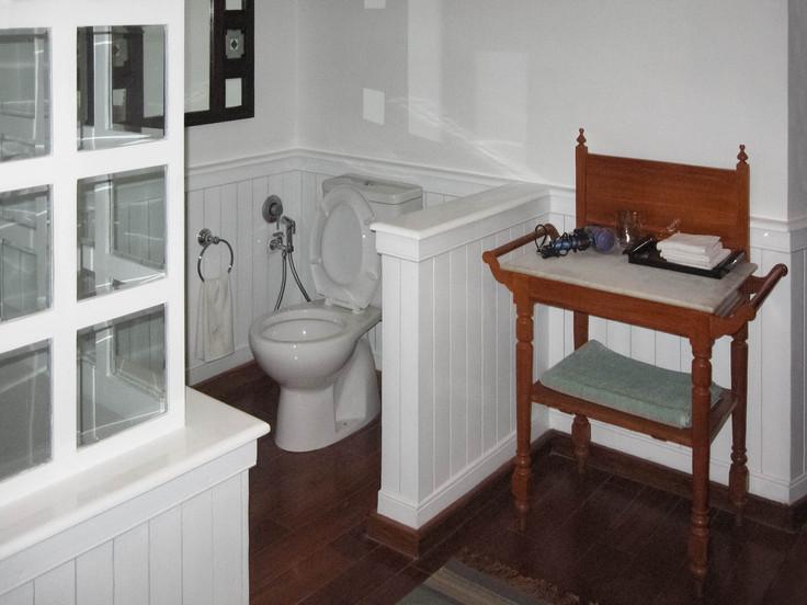 bathroominterior-copyjpg