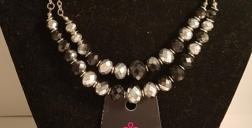 Retired black and silver Fashion fix-Paparazzi Accessories-I'm NOT a consultant