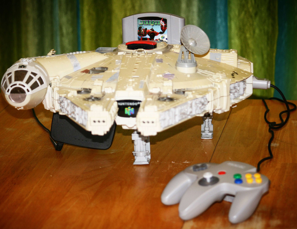 Millenium Falcon N64 - 1.JPG