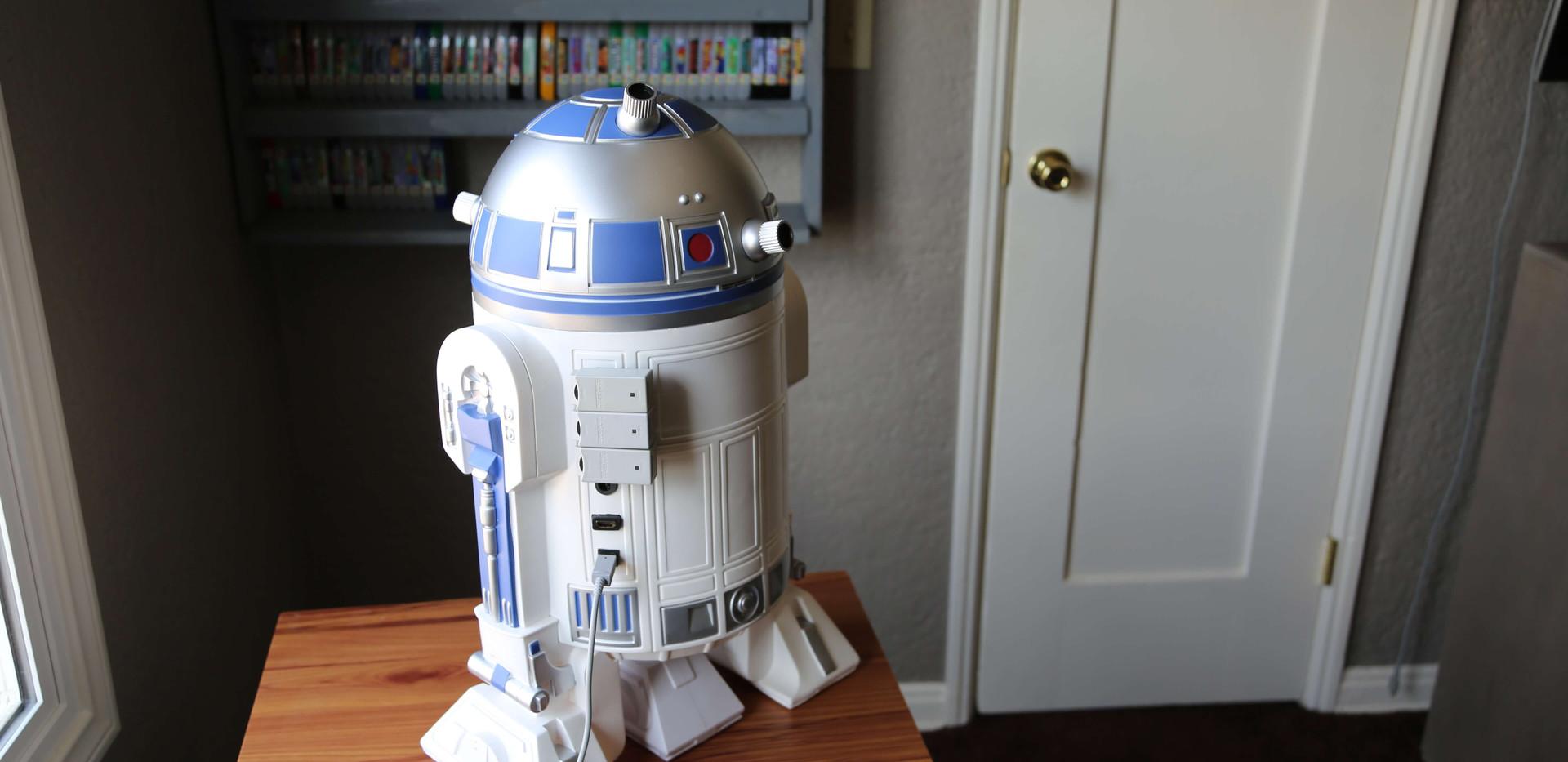 Wii-U-R2-D2-Star-Wars-10.JPG
