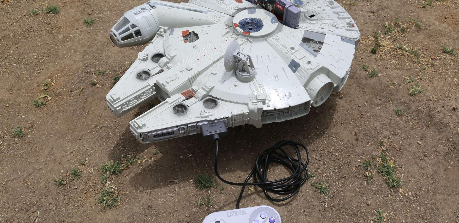 Millenium Falcon SNES - 1.JPG