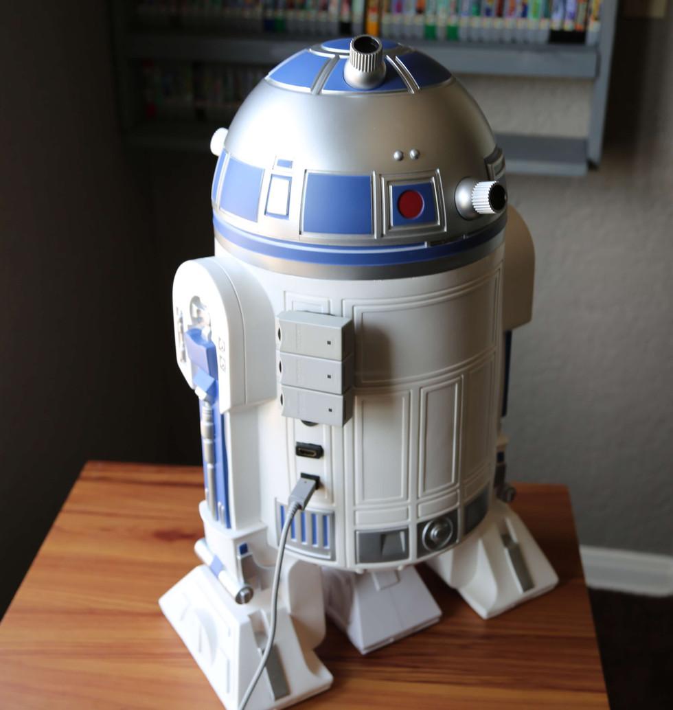 Wii-U-R2-D2-Star-Wars-11.JPG